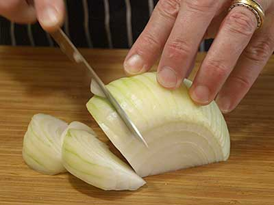 how to store cut up onions