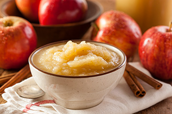 a bowl of applesauce