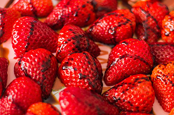 fresh strawberries drizzled wtih balsamic vinegar