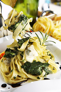 Spinach Fettuccine Alfredo recipe from Dr. Gourmet
