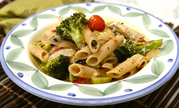 Penne with Broccoli and Tomatoes