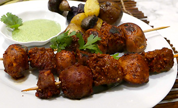 Beef Kabobs with Peruvian Green Sauce