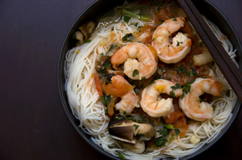 a shrimp and noodle soup of the type one might use Miracle Noodles in