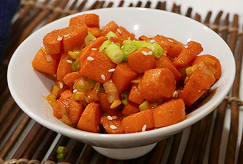 Sriracha Carrots, a healthy side dish recipe from Dr. Gourmet