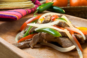 Steak fajitas with corn tortillas